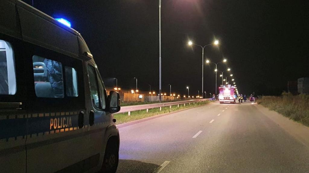 Śmierć motocyklisty w Łodzi w sobotni wieczór. Nie miał uprawnień do kierowania jednośladami - Zdjęcie główne