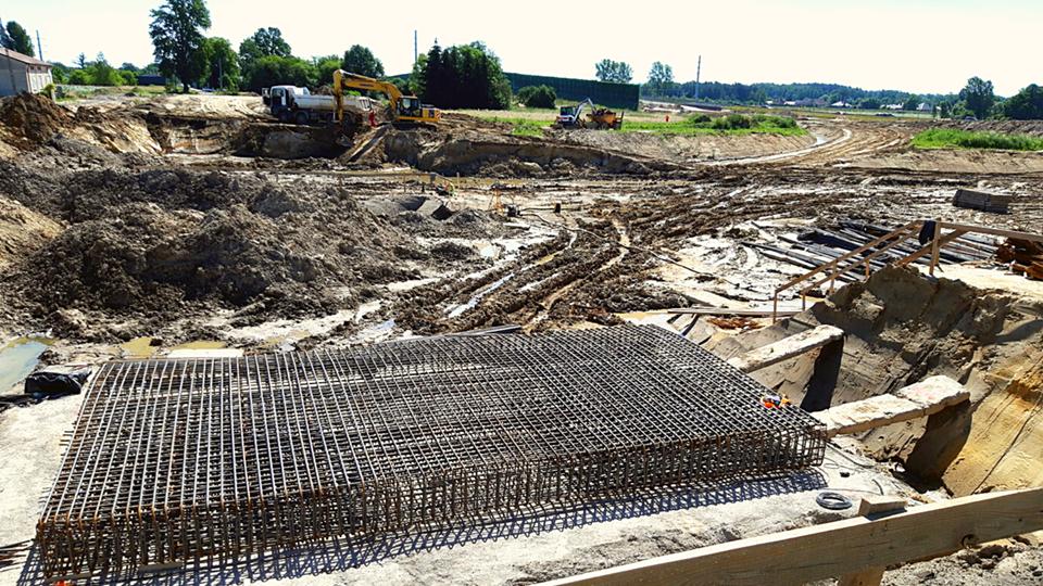 Ewakuacja mieszkańców jednego z domów w Łodzi. Podczas budowy trasy S-14 uszkodzono gazociąg - Zdjęcie główne