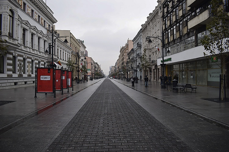 Ponad 500 nowych przypadków zakażenia koronawirusem w Łodzi. Kolejne 10 zgonów w województwie [RAPORT DOBOWY] - Zdjęcie główne