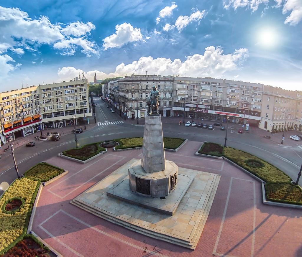 Zmiany w komunikacji na placu Wolności - Zdjęcie główne
