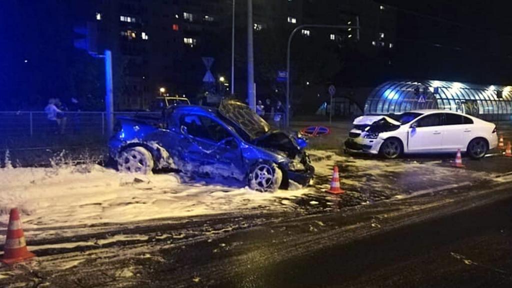Groźny wypadek na Radogoszczu w Łodzi. Co się wydarzyło na Zgierskiej? [ZDJĘCIA   MAPA] - Zdjęcie główne