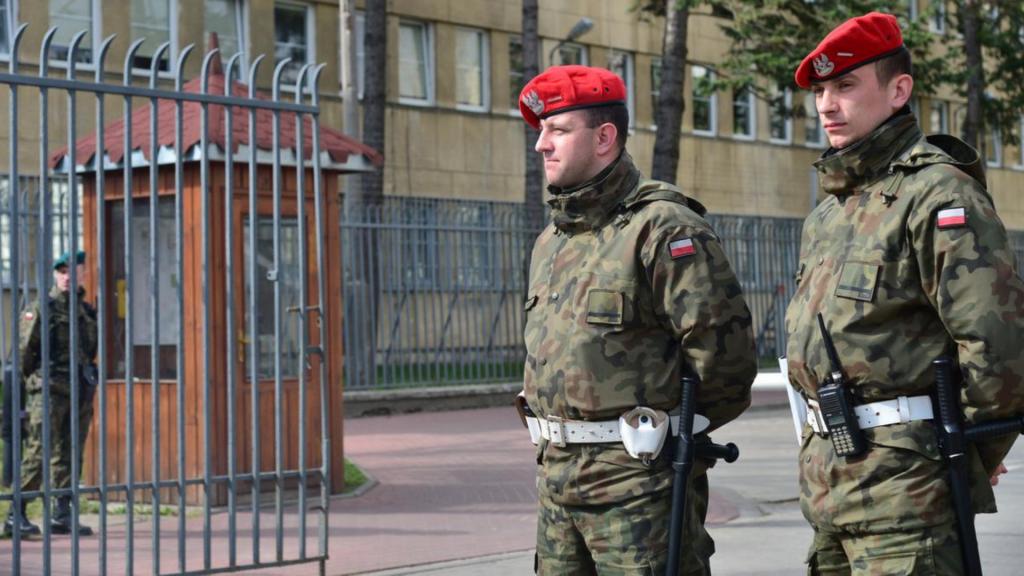 Premier Polski zdecydował. Wojsko pomoże policji w zakresie ochrony bezpieczeństwa i porządku publicznego - Zdjęcie główne