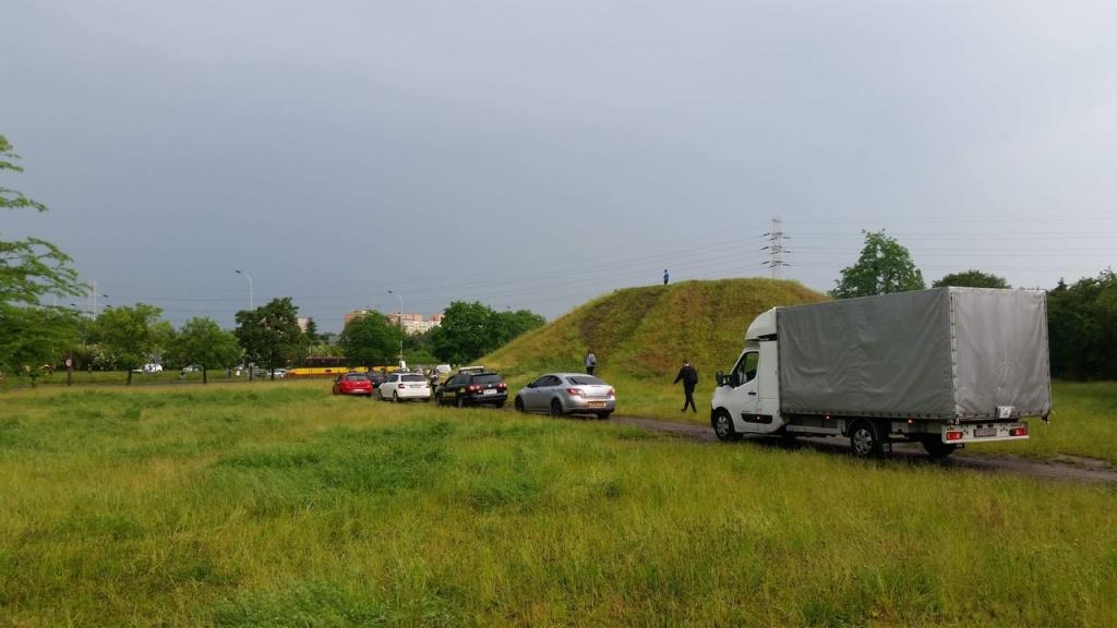 Burza w Łodzi. Kilkanaście minut ulewy i miasto (jak zwykle) zalane [ZDJĘCIA] - Zdjęcie główne