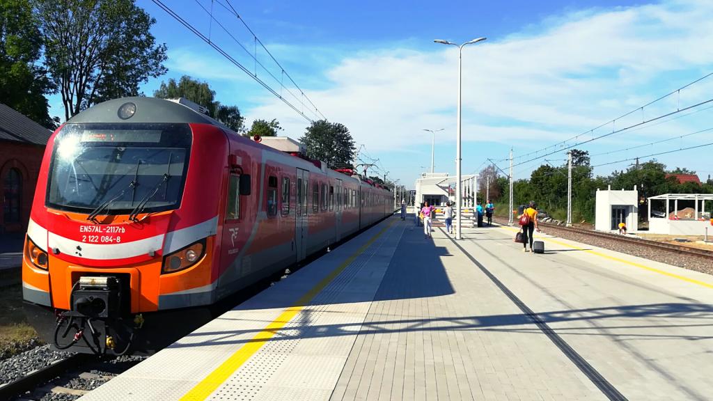 Pociągi na trasie Łódź – Zduńska Wola – Pabianice pojadą 15 min. szybciej. Stacja Łódź Lublinek w remoncie [ZDJĘCIA] - Zdjęcie główne