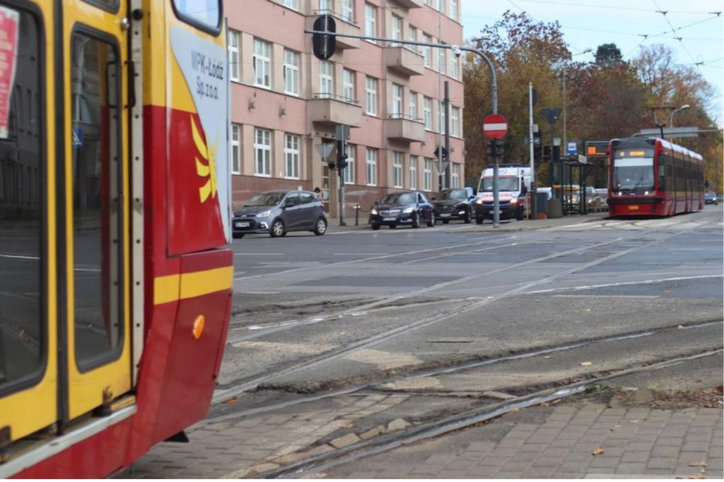 Świetne tempo prac na skrzyżowaniu Narutowicza/Kopcińskiego zaskoczyło urzędników. Dlatego remont potrwa o miesiąc dłużej - Zdjęcie główne