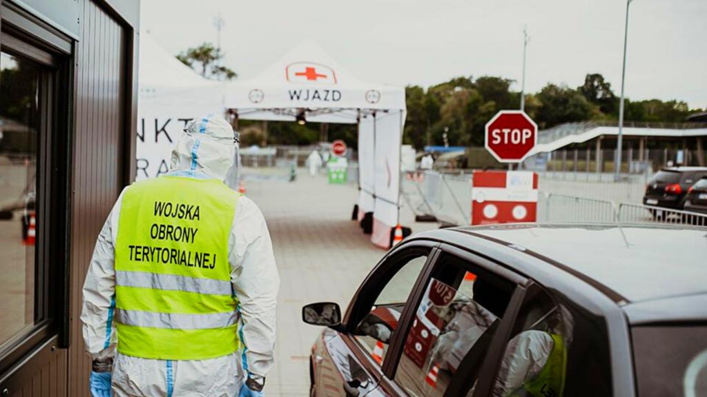 Cały czas blisko 350 nowych dobowych przypadków koronawirusa w Polsce. Jak w Łódzkiem? [RAPORT DZIENNY] - Zdjęcie główne