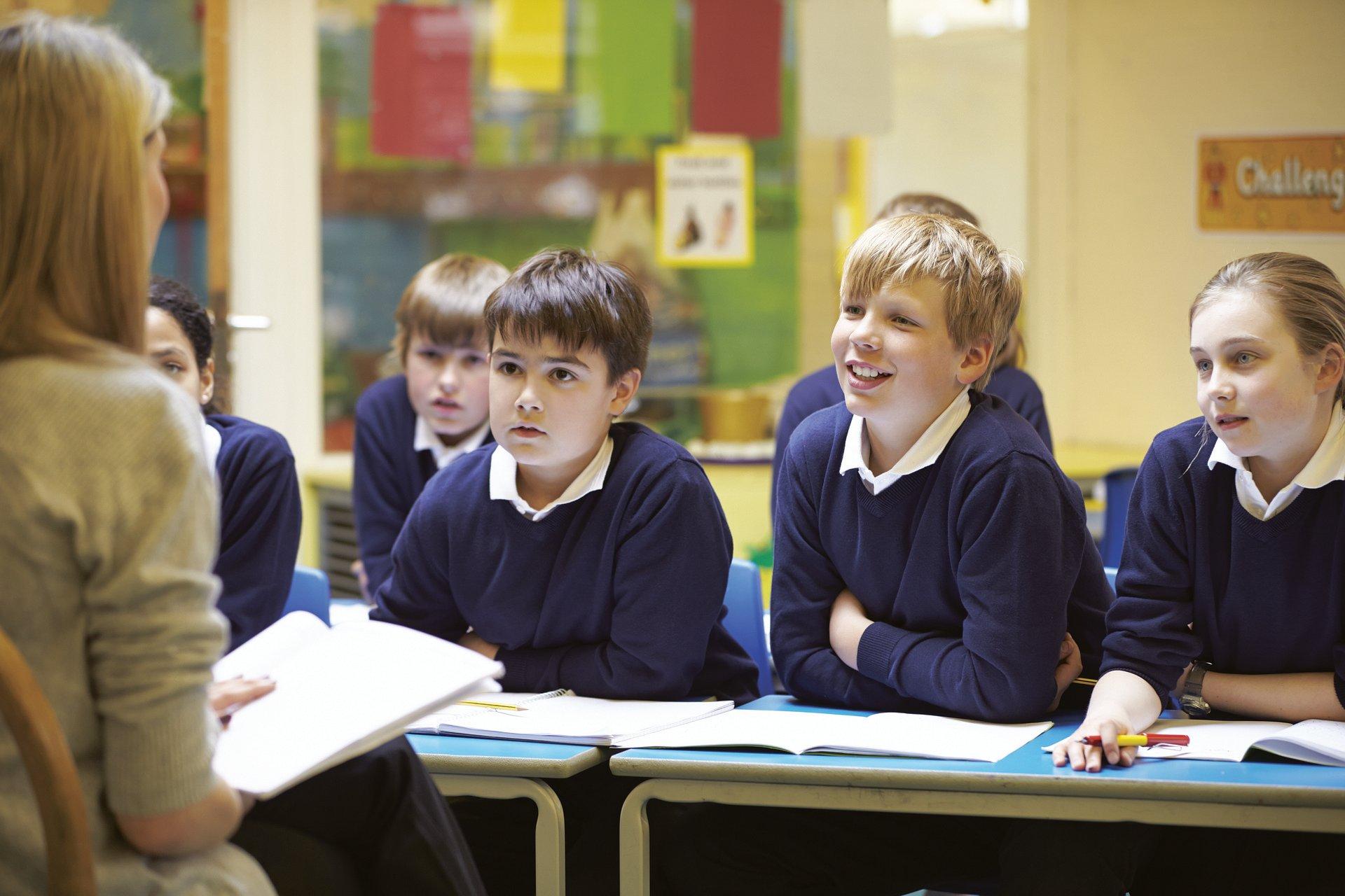 """Nauczyciele są przepracowani i mówią """"dość""""! Poznaj kulisy strajku nauczycieli [wywiad] - Zdjęcie główne"""