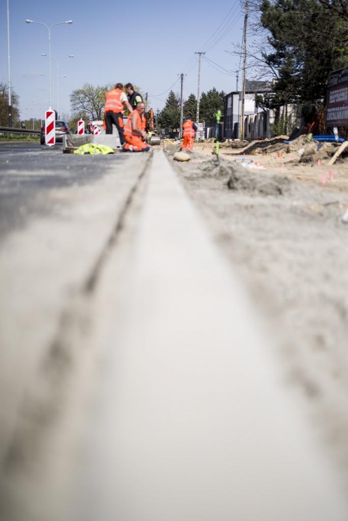 Rowerzyści na pewno będą zadowoleni. Trwa przebudowa drogi rowerowej na Łagiewnickiej [ZDJĘCIA] - Zdjęcie główne