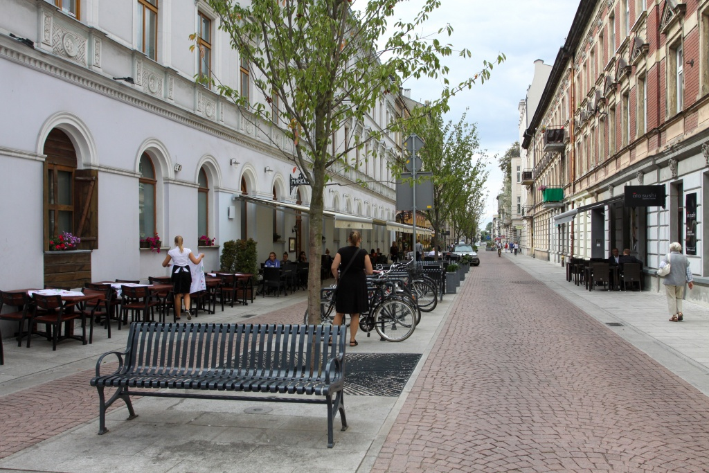Łódź woonerfem stoi! Już 21 zielonych ulic z uspokojonym ruchem [ZDJĘCIA] - Zdjęcie główne