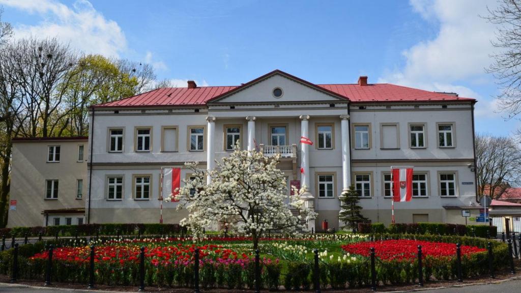 Koronawirus w Łódzkiem nie odpuszcza. Do końca lipca zamknięto Starostwo Powiatowe - Zdjęcie główne