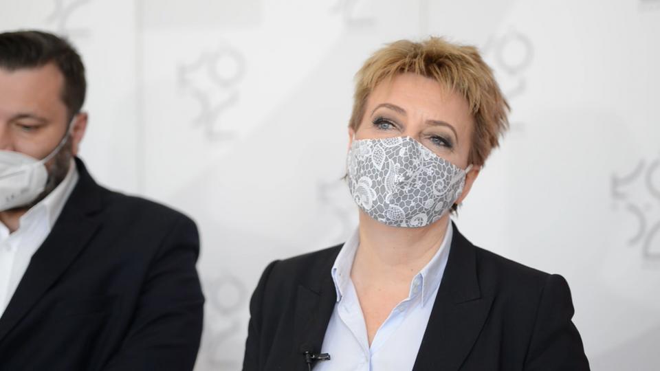 Polityk Solidarnej Polski zarzuca Hannie Zdanowskiej przypisywanie sobie zasług polskiego rządu. Jest odpowiedź rzecznika prezydent Łodzi - Zdjęcie główne
