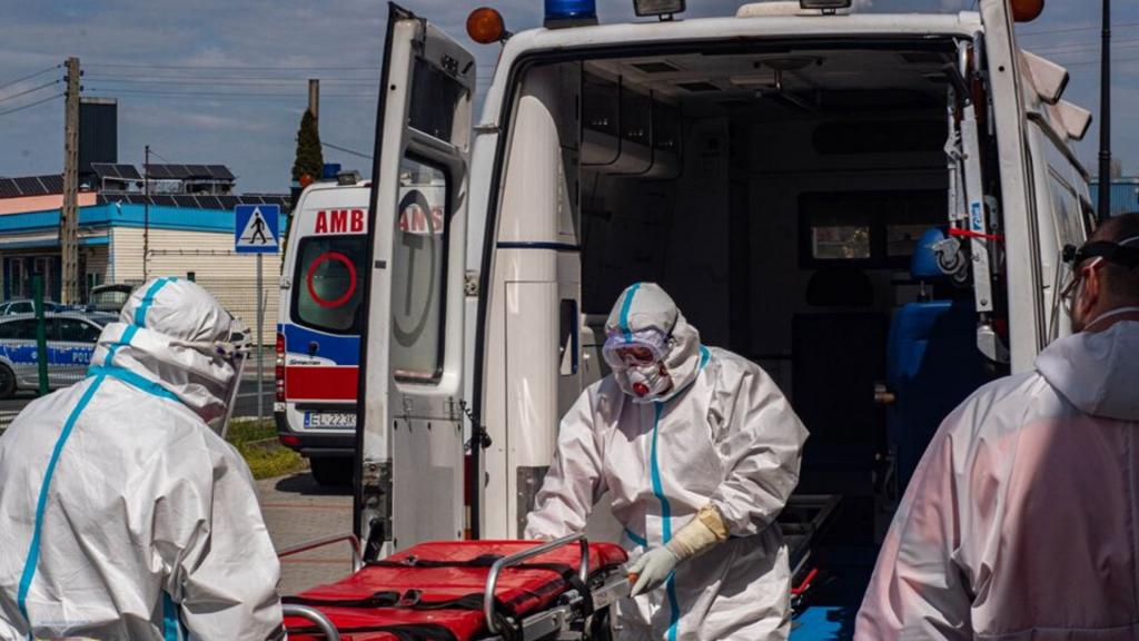 Awantura w szpitalu w Łódzkiem. Lekarz zwyzywał ratowników medycznych, którzy przywieźli chorego - Zdjęcie główne