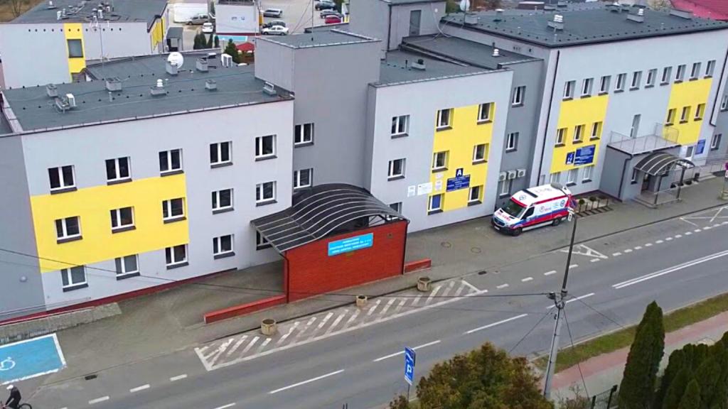 Koronawirus w szpitalu w Łódzkiem. Ewakuowano pacjentów. Trafili do placówek w Łodzi i Zgierzu - Zdjęcie główne