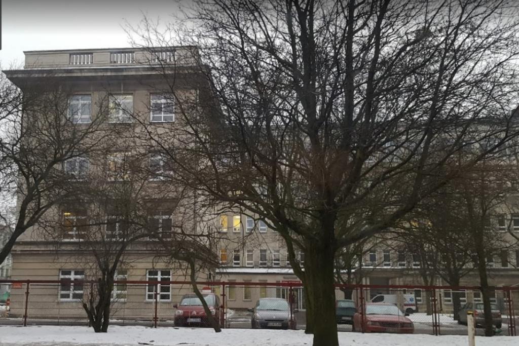 W wyniku cyberataku hakerów łódzki szpital okradziono na prawie pół miliona złotych!  - Zdjęcie główne
