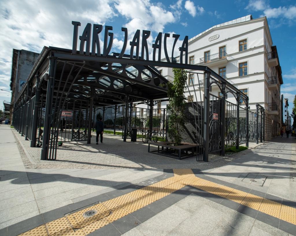 Nowy ryneczek w centrum Łodzi. Niebawem będzie można zrobić zakupy na Targu Jaracza [zdjęcia] - Zdjęcie główne