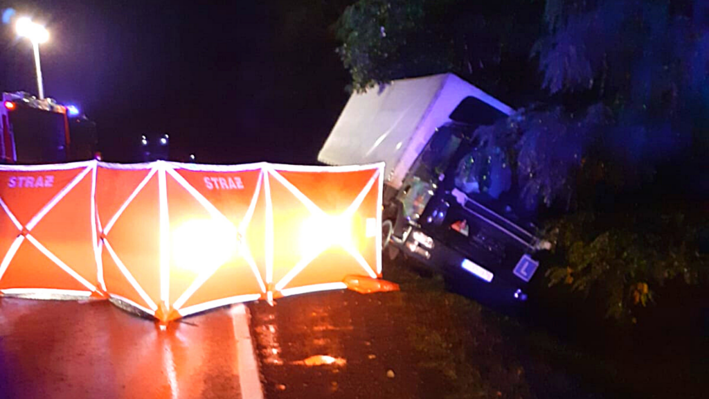 Tragiczny wypadek w udziałem pieszego. Samochód ciężarowy potracił 45-latka. Jak do tego doszło? - Zdjęcie główne