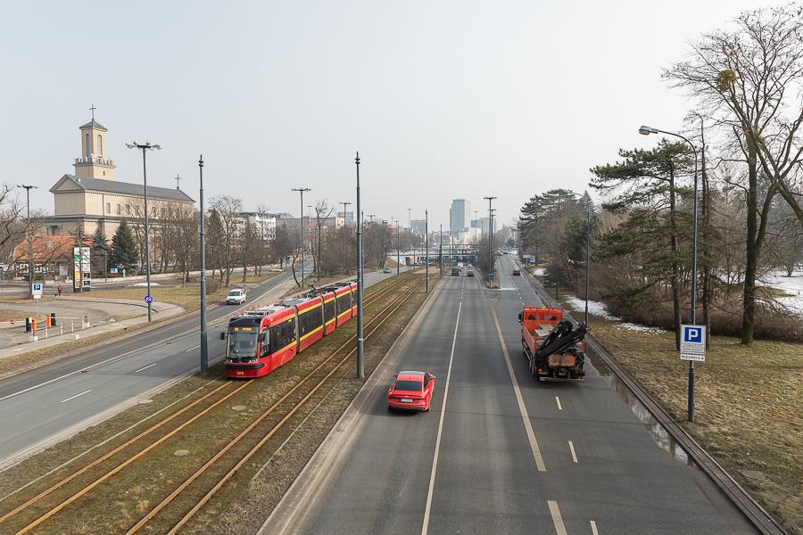 Wybierzcie inną drogę. Zakorkowane skrzyżowanie Włókniarzy - Bandurskiego w Łodzi - Zdjęcie główne