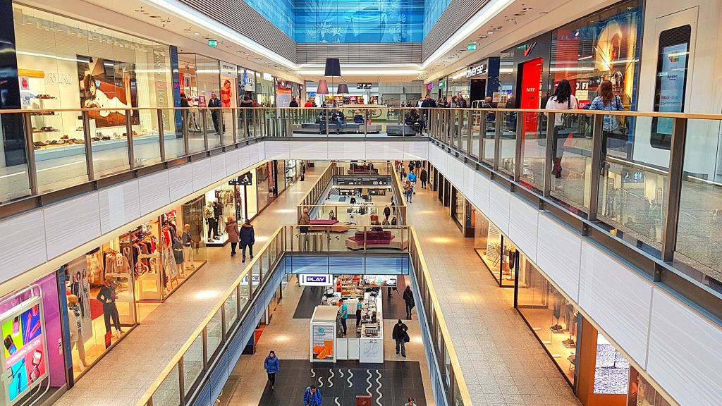 Odmawiacie noszenia maseczek w centrach handlowych? Nie jesteście sami. Handlowcy apelują do rządu - Zdjęcie główne