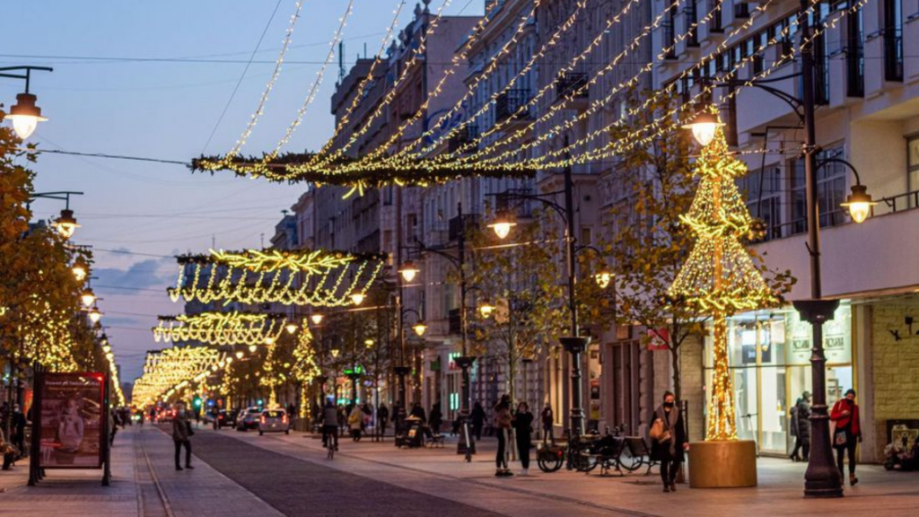 Czy w tym roku odbędzie się jarmark bożonarodzeniowy na Piotrkowskiej? Miasto podjęło decyzję - Zdjęcie główne
