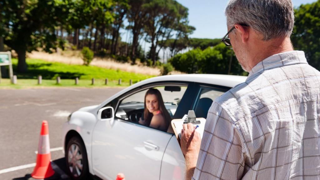 Wybór szkoły nauki jazdy - na co zwrócić uwagę? - Zdjęcie główne