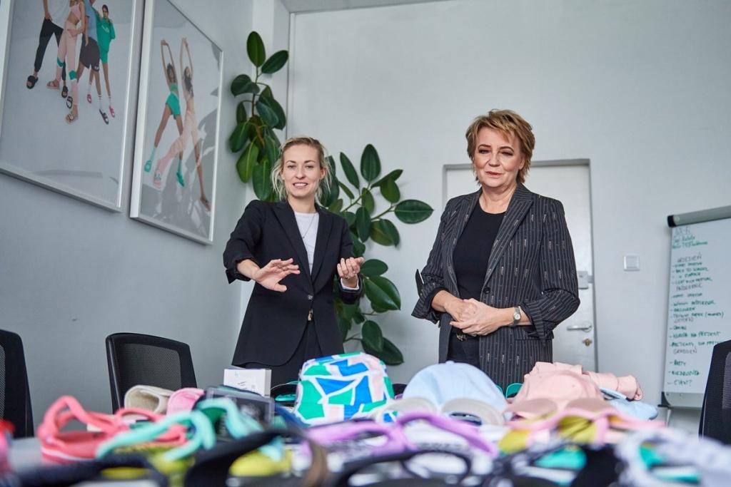 Kupilibyście tęczowe klapki prosto z Łodzi? Akcja Kuboty i miasta na rzecz osób LGBT - Zdjęcie główne