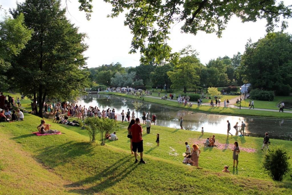 W łódzkich parkach pojawią się nowe punkty gastronomiczne. Jest 17 lokalizacji! [MAPY] - Zdjęcie główne