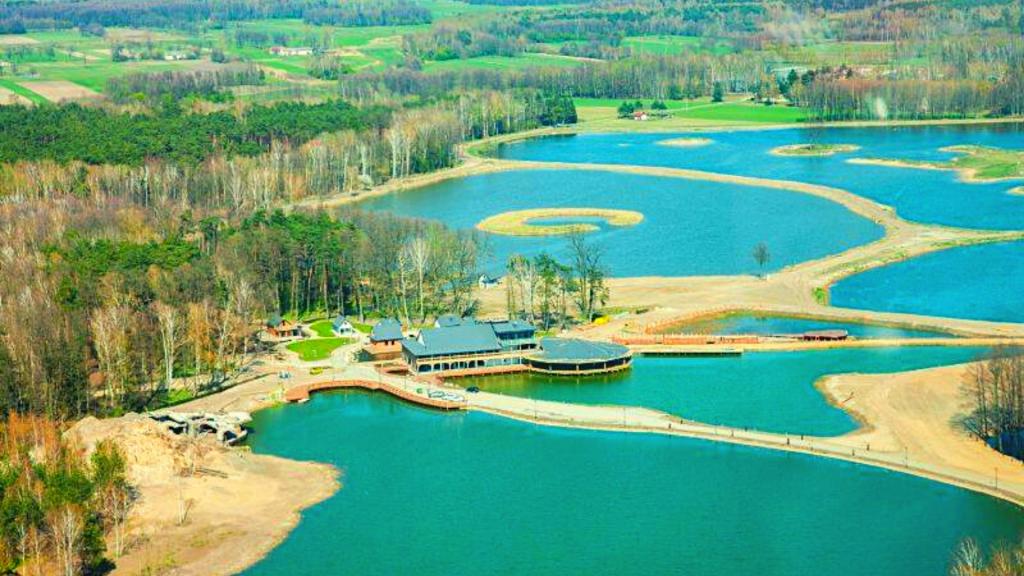 Polecamy na weekend. W Tuszynie pod Łodzią powstaje potężny 140 hektarowy kompleks rekreacyjny [ZDJĘCIA | WIDEO] - Zdjęcie główne