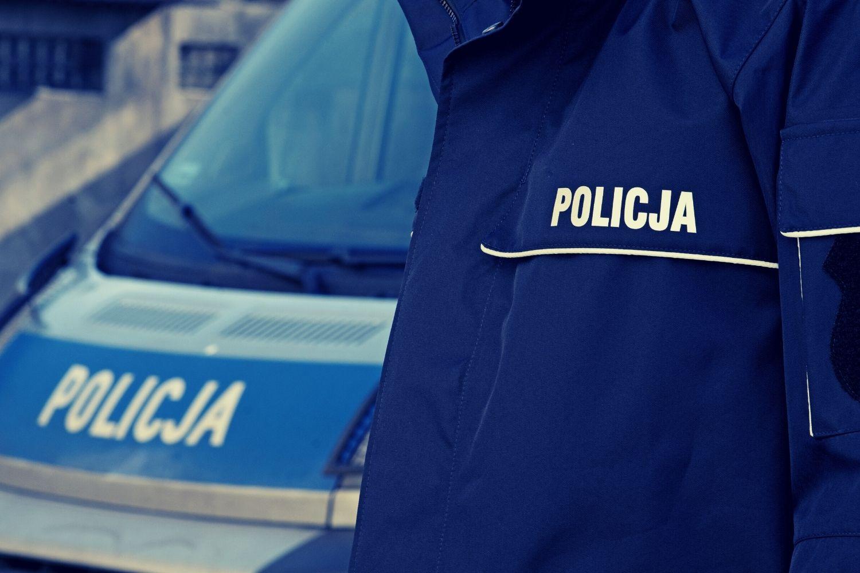 Komendant komisariatu z Łodzi jechał za szybko i stracił prawo jazdy. Czy chciał uniknąć kary? - Zdjęcie główne