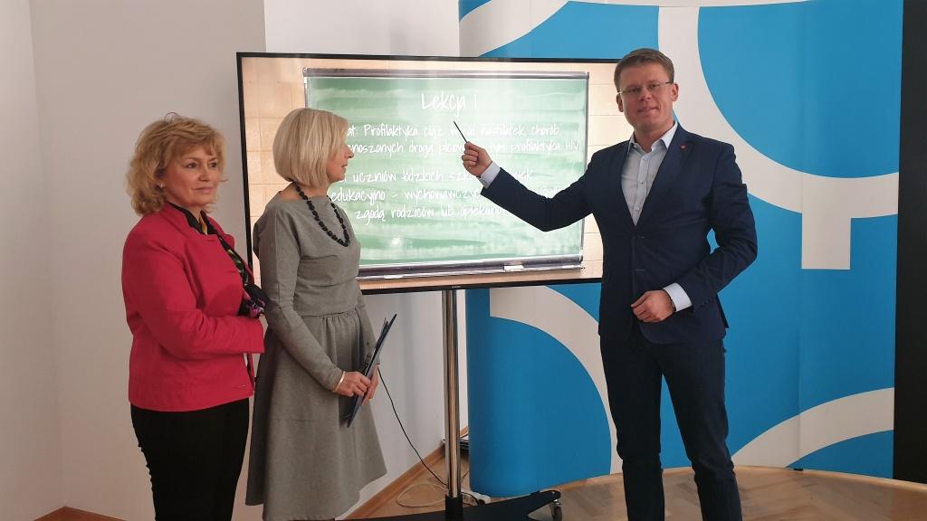 Urząd Miasta Łodzi wprowadza edukację seksualną do łódzkich szkół  - Zdjęcie główne