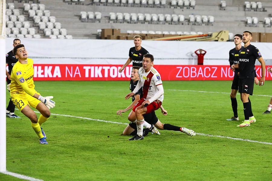 ŁKS Łódź wygrywa wojnę nerwów w Pucharze Polski! Łodzianie grają dalej - Zdjęcie główne