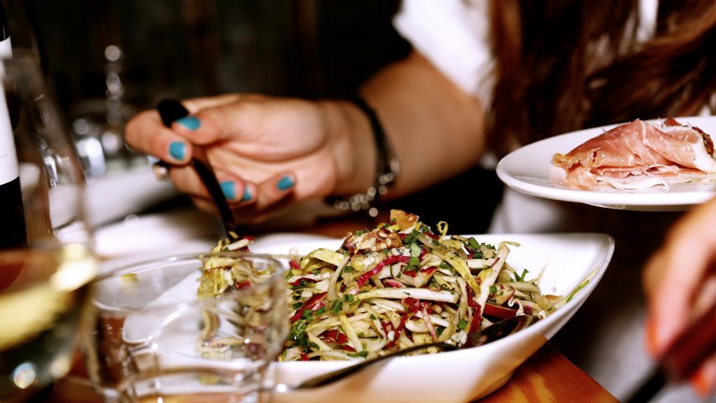 Przedsiębiorcy dramatycznie domagają się od rządu ratowania branży gastronomicznej. Większości restauracji grozi bankructwo - Zdjęcie główne