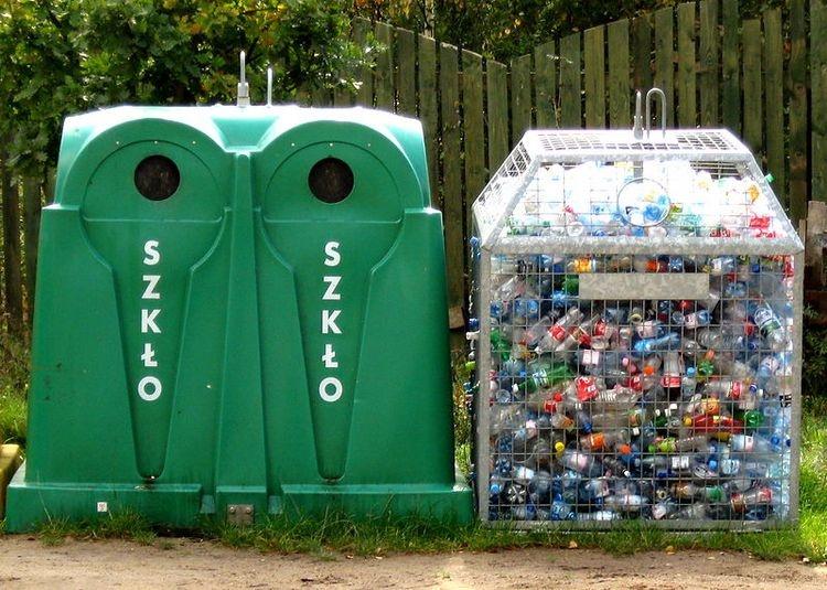 """Nie będzie nowego systemu naliczania opłat za śmieci. RIO: """"Część zapisów jest niezgodna z konstytucją"""" - Zdjęcie główne"""