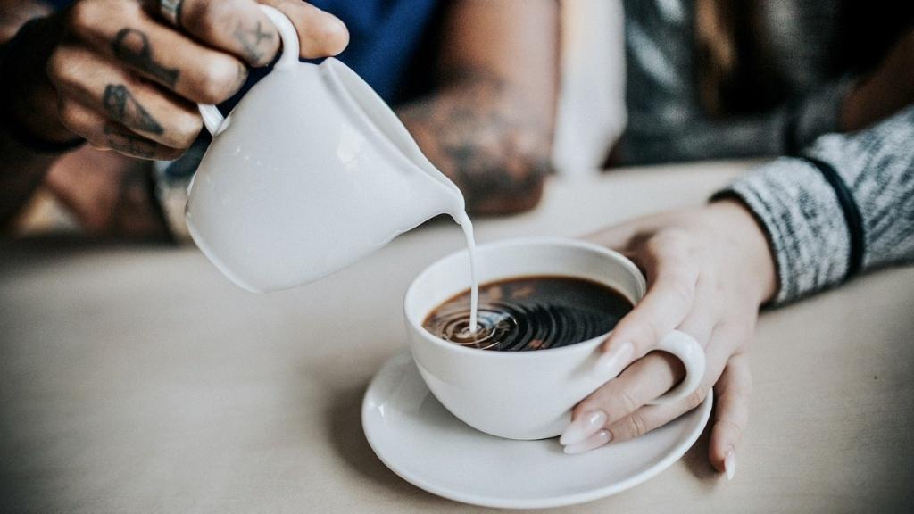 Pozwól, że zrobię Ci kawę - Zdjęcie główne