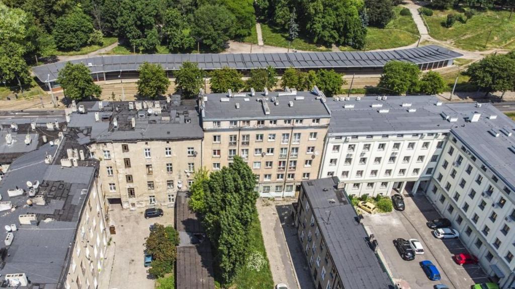 Kolejne kamienice w centrum Łodzi zostaną wyremontowane. Na budynkach będą zielone ściany [ZDJĘCIA] - Zdjęcie główne