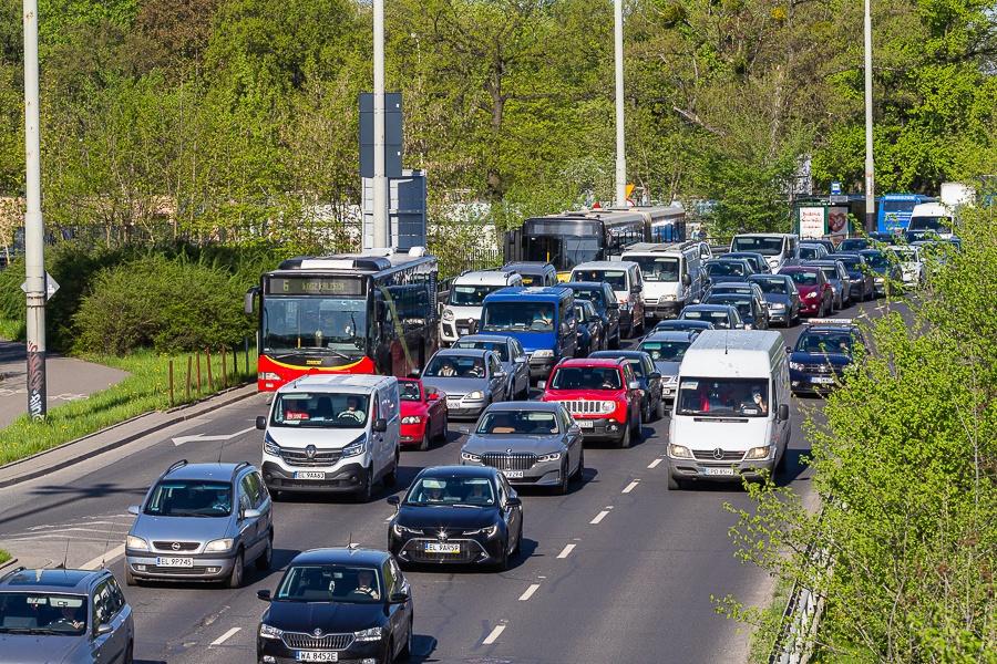 Korki Łódź. Sprawdź, co dzieje się na łódzkich drogach [15.09.2021] - Zdjęcie główne