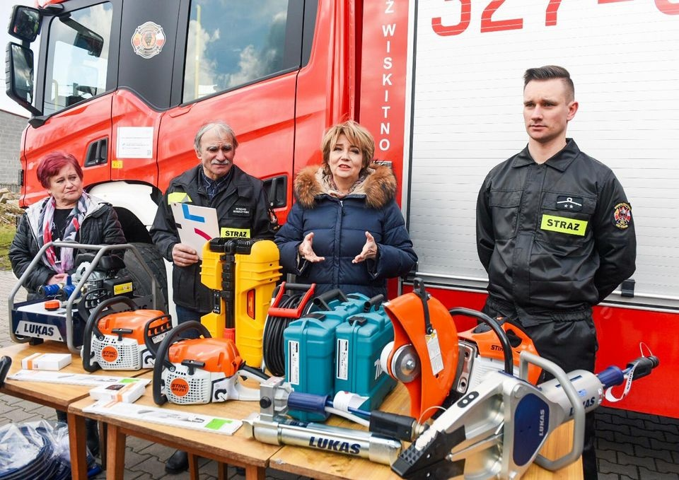 Okradzeni strażacy z OSP Wiskitno z nowym sprzętem  - Zdjęcie główne