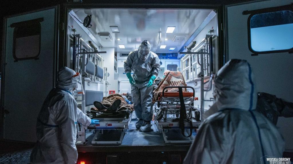 W Łodzi jest obecnie 219 osób zakażonych koronawirusem. W Polsce 550 nowych przypadków [RAPORT DOBOWY] - Zdjęcie główne