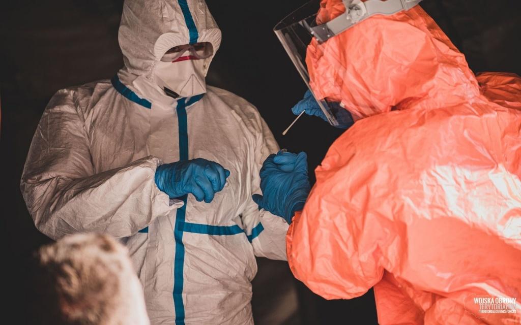 Nowe odkrycie w sprawie koronawirusa. Kiedy jesteśmy najgroźniejsi dla innych? - Zdjęcie główne