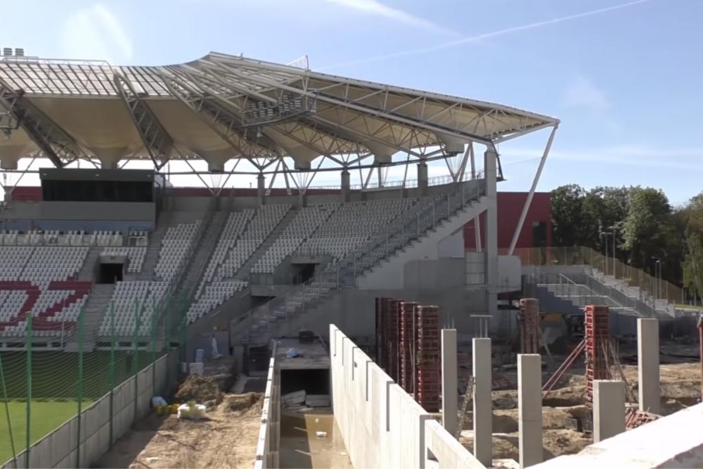 Kolejne postępy w budowie stadionu przy al. Unii - Zdjęcie główne