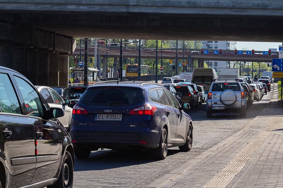 Korki Łódź. Sprawdź, co dzieje się na łódzkich drogach [03.09.2021] - Zdjęcie główne