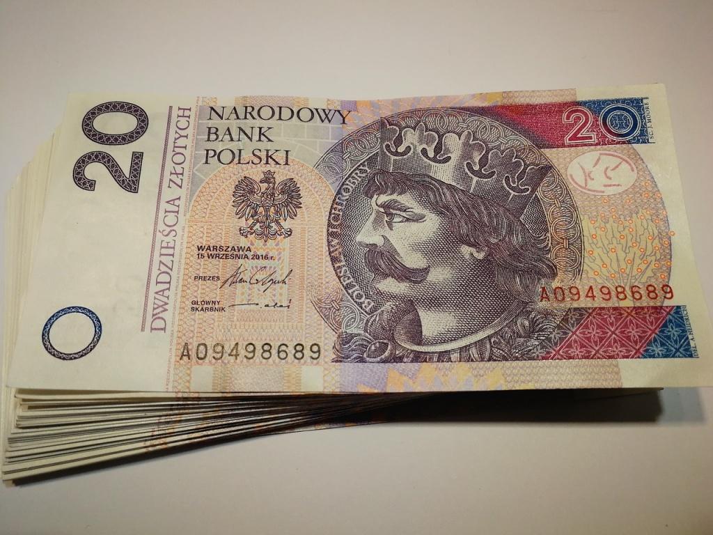 Tani kredyt gotówkowy - w jakim banku szukać ofert? - Zdjęcie główne
