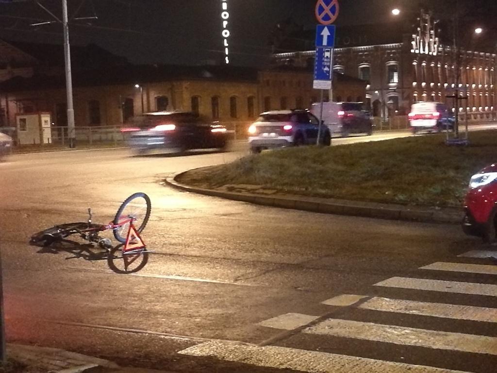 Kolejny wypadek z udziałem roweru [ZDJĘCIA] - Zdjęcie główne