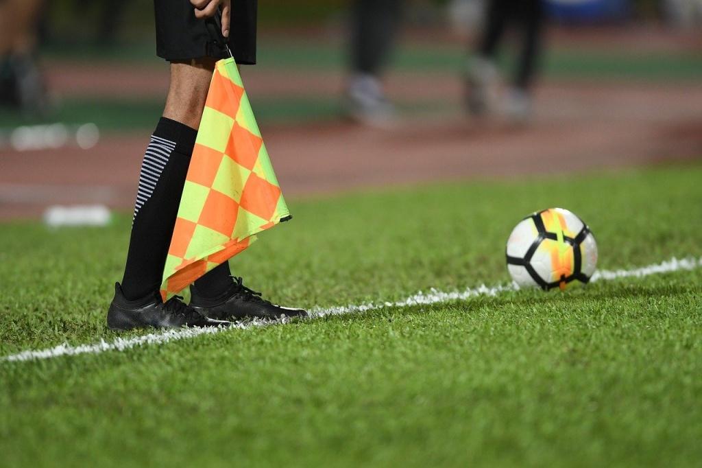 Zostań sędzią piłkarskim! Trwają zapisy na kurs w Łodzi - Zdjęcie główne