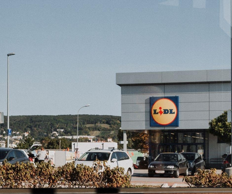 Lidl odpowiada Biedronce. Wiemy, które sklepy będą otwarte w niedziele! [lista sklepów] - Zdjęcie główne