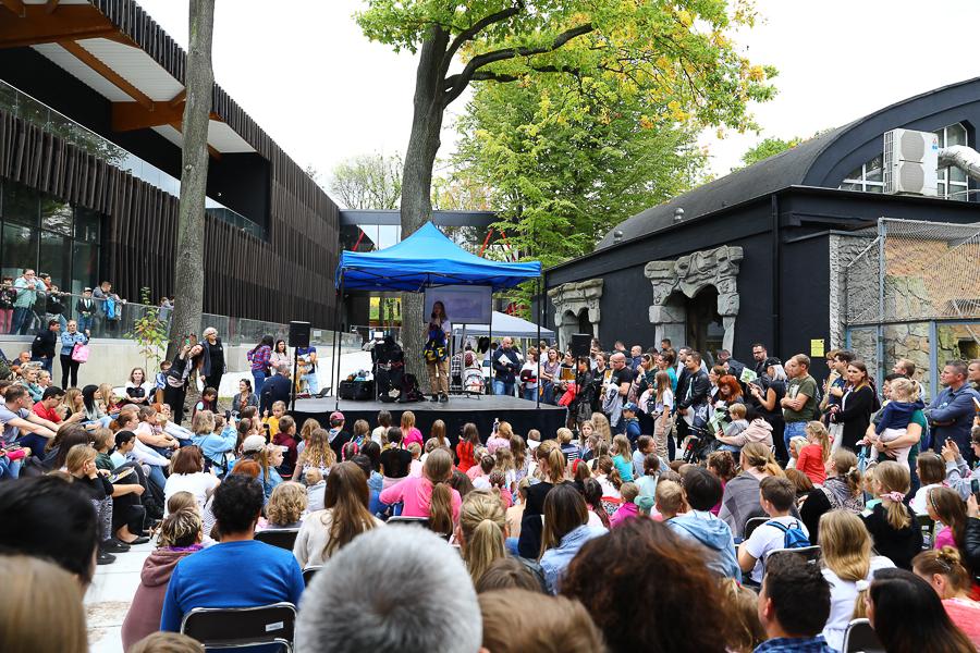 Urodziny łódzkiego zoo. Tłumy na spotkaniu z Nelą, małą reporterką [zdjęcia] - Zdjęcie główne
