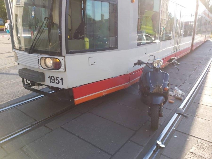 Tragiczny wypadek na Limanowskiego. 51-latek nie przeżył zderzenia z tramwajem - Zdjęcie główne