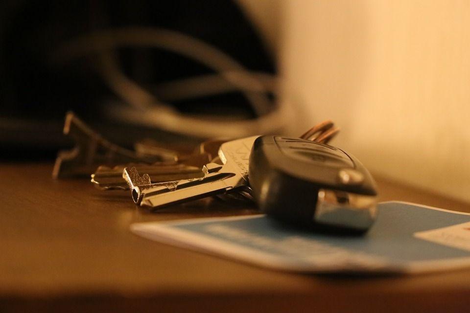 Zostawiasz czasem dowód rejestracyjny w aucie? - Zdjęcie główne