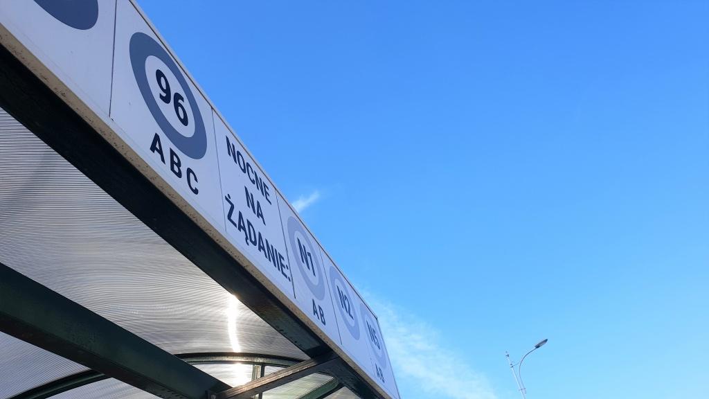 """Autobusy nie zatrzymają się na tych przystankach! Nowe przystanki """"na żądanie"""" [LISTA] - Zdjęcie główne"""