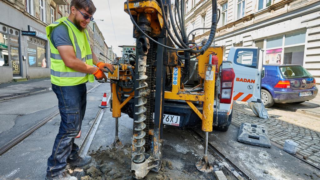 Georadar prześwietla centrum Łodzi. Co kryje się pod powierzchnią kolejnych ulic? - Zdjęcie główne