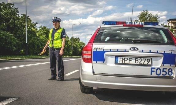 Wzmożone patrole policji na drogach. Rozpoczyna się długi czerwcowy weekend  - Zdjęcie główne